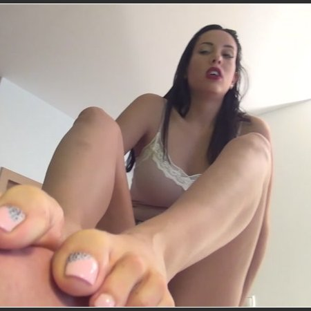 Raise The Bar - EXTREME Footsmother (Goddess Rea)