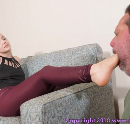 Brat Princess - Princess Kat - Worship My Feet You Pathetic Idiot