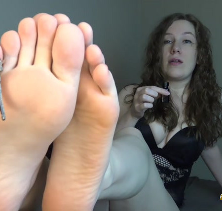 Goddes Samira - Locked Up Poppers Foot Slut
