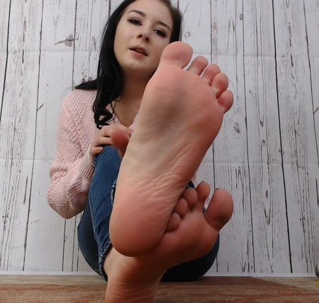 Natalie Darling - Roommate Caught With My Socks!