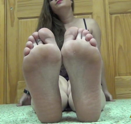 Goddess Dia Lynn - Jerk It and Cum For My Pretty Feet