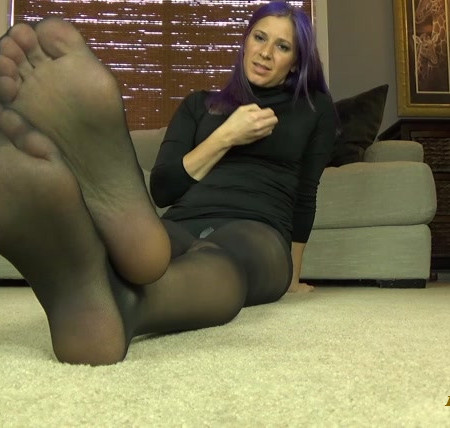 Goddess Kylie Jacobs - Stroke to My Feet in Jet Black Pantyhose