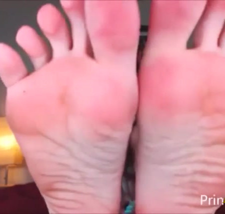 Princess Kaelin - Sorority Foot Sniffer