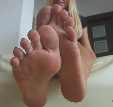 Noemis World – Ava beautiful soles in motion