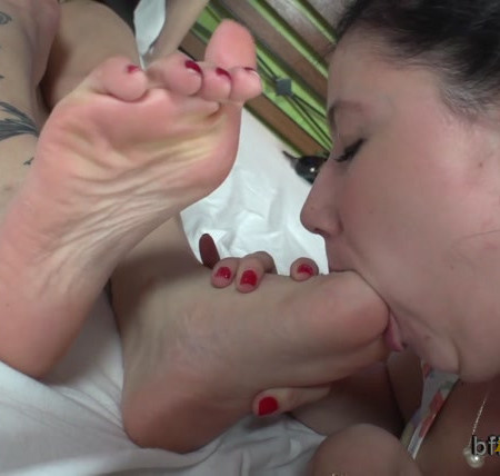 Bffvideos - Cinthia Delicious First Foot Worship Submission Pt.3