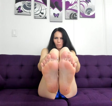 Miss Victoria Reign - Fall in Love with Feet