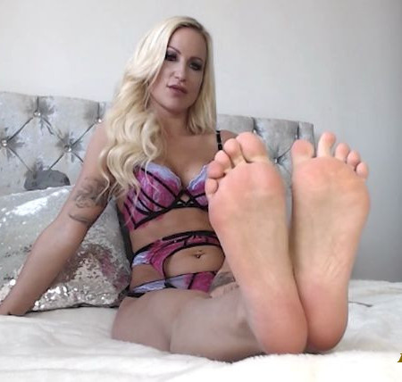 Princess Imogen - SNIFF AND SLIDE