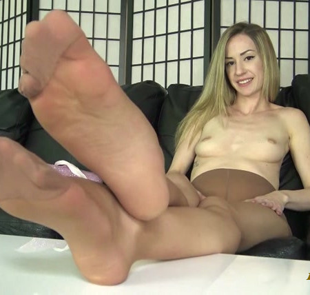 The Foot Fantasy - EMMA MAYER PANTYHOSE LEGS and FEET JOI