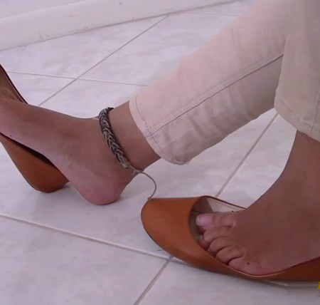 Denise Dangles and Dips