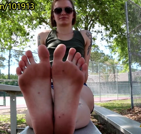 Crossfit Trainer Tickled Right After Class - Sweaty Sole Show Bonus!