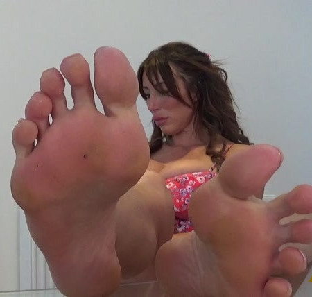 Miss James - even ignored by feet