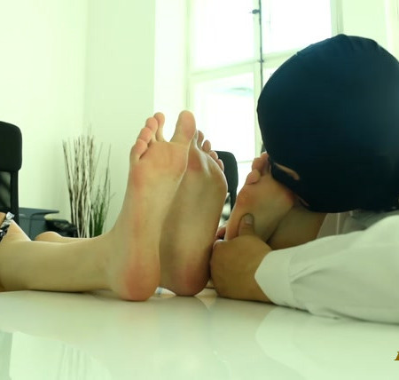 Czech Soles – Office foot slave for two sexy colleagues