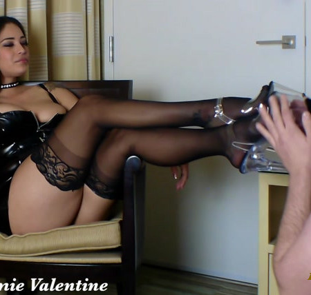 Jamie Valentine - A Good Boy Learns To Worship