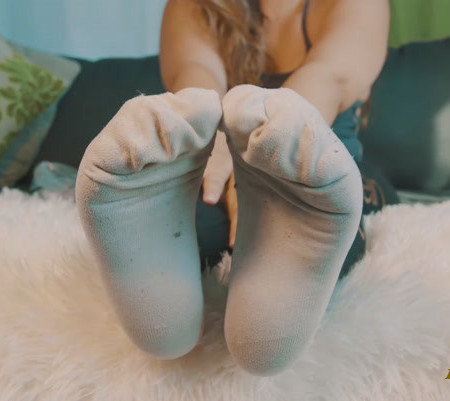 Kiara Skye - Back for More Stinky Smelly Socks