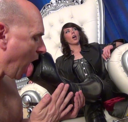 The Wolfe Sole Experience - Goddess Wolfe Needs Worshipping