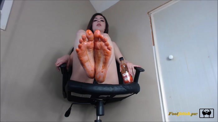 The Goddess Eris - Clean These Spicy Feet!