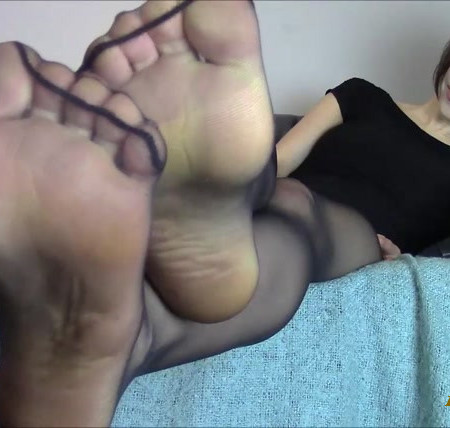 Miss Melissa - Black Pantyhose Feet Quicky Drain