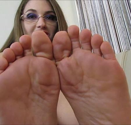 Terra Mizu - Jerk It To Terra Mizu's Long Wiggling Toes!