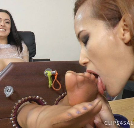 UK Tickling - Ayla's Tickle Lickle Torture For Lauren's Sensitive Toes