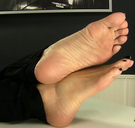 Erotic Nikki - Soft Soles for your Hard Cock