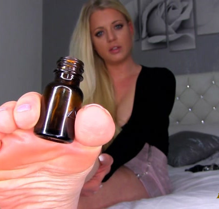 Princess Lexi Luxe - P O P P E R S FOOT SLUT