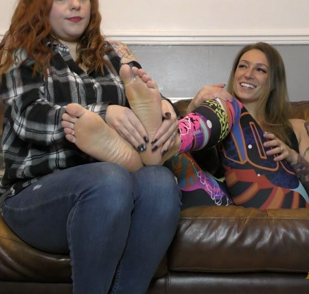 Amy Wynters - Amy Pampers and Paints Avas Toes!