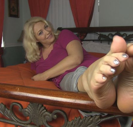 Tickle Torture - Get Out of My Wrinkles