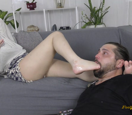 Savage Soles - Riley Reynolds - Facefucked and Shunned