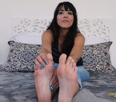 Stella Liberty - Foot Rub For Auntie