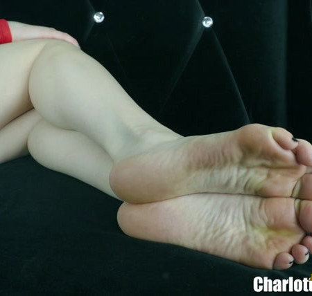 Charlotte Stokely - Foot Loser Institute