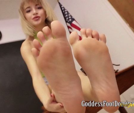 Goddess Foot Domination - Goddess Lola - I See You Like Feet