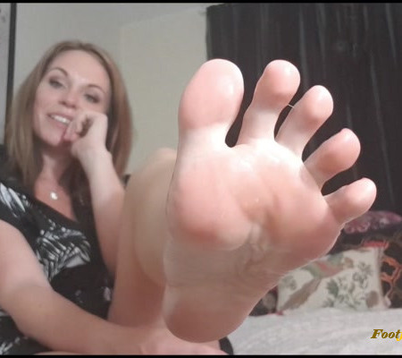 Queengf90 - Clear Heel Tease And Self Worship