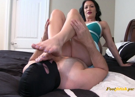 Clubstiletto - Tongue Job for Foot Bitch - Miss Jasmine