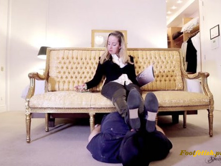 Spoilt Princess Grace - Footstool Worm Ignored (1080 HD)