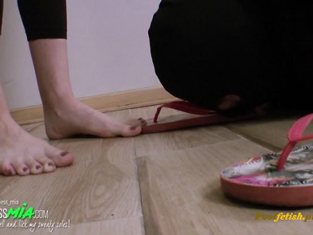 Foot Goddess Mia - These Sweaty And Stinky Flip Flops - Full (English Language) (1080 HD)