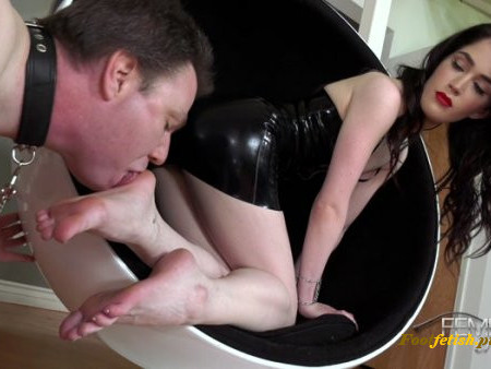 Vicious Femdom Empire -  Evelyn Claire - Horny Foot Addict