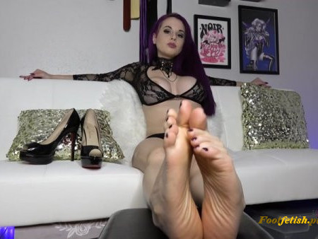Goddess Valora - Can You Hold Back? - Foot Edging Challenge