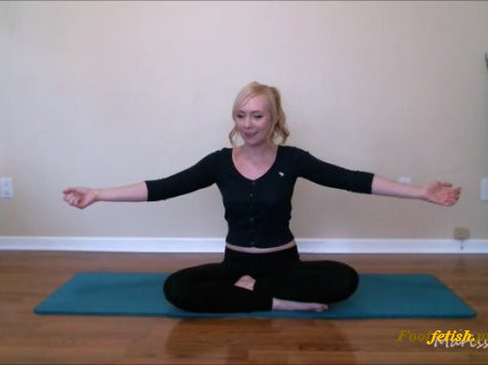 Marissa Sweet - Yoga Instructor Shows Off Her Form