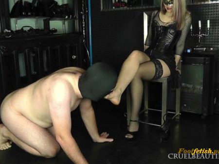 Cruel Beauties - Lady Sophie - Sniff My Stockings - Lick My Feet