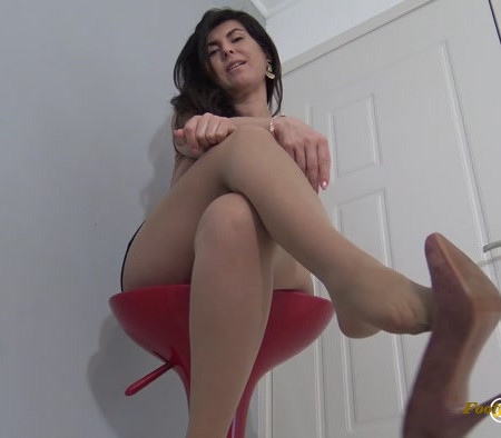 Addiction - Weak for your Secretarys Feet