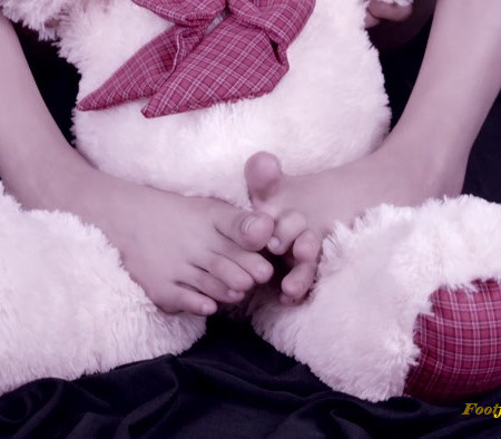 ABDoll – Foot Worship With Teddy Bear