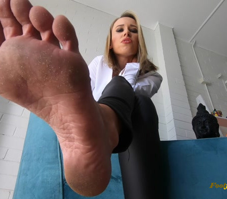 Mistress Alana – Buy My Feet Custom
