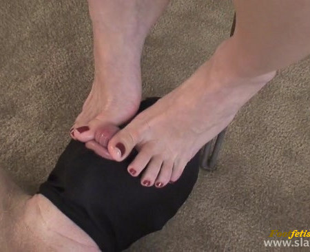 Slaveclub Fetish - Suck My Sweaty Toes