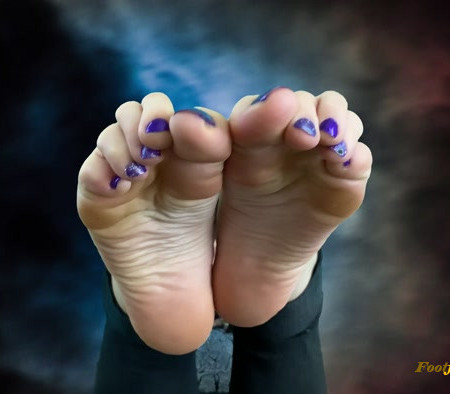 the goddess clue - My devilishly sexy soles are your downfall. Enjoy