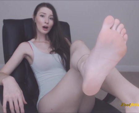 Empress Mika – Anything for My Feet