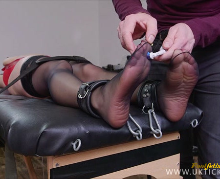 UK Tickling – Jasmine De Launey 2