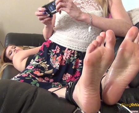 Tickling Handjobs Female Orgasm – StepMommy Tickles Misbehaving Stepdaughter
