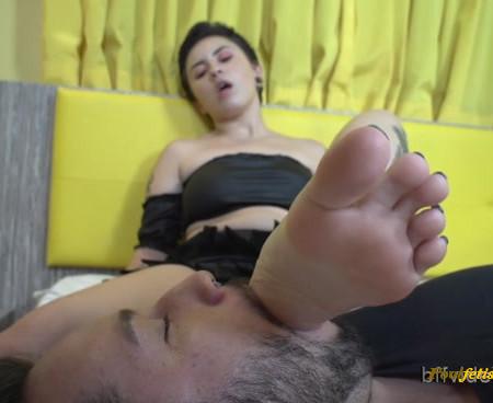 Bffvideos - Lick Goddess Serena Diaz Sweaty Feet, Loser! Pt.1