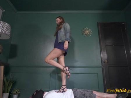 Stella Liberty - Trampling in Heels and Barefoot