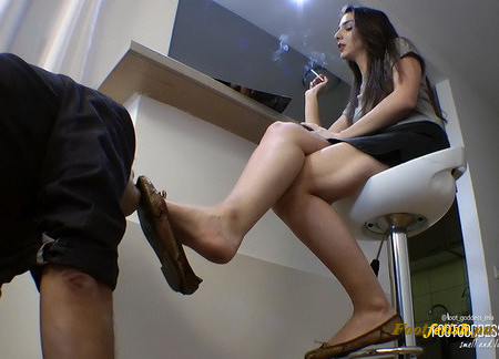 FootGoddessMia - When Goddess Mia Gets Angry - Part 1